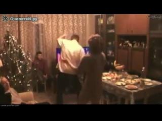Русская новогодняя традиция:))